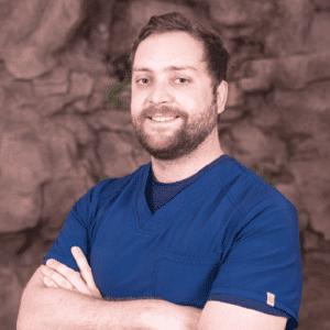 Dr. Andrés Flores. Ortodoncia y Ortopedia Dentomaxilofacial – Invisalign